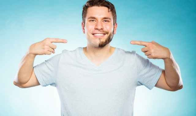 社会人の髭剃り頻度は出社前の1日1回!青髭が目立つときは2回!